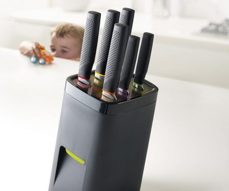 Self Locking Universal Knife Block
